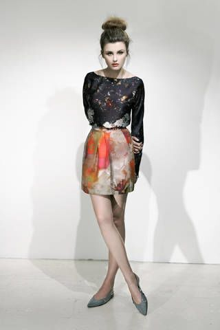 Sleeve, Shoulder, Textile, Joint, Dress, Style, One-piece garment, Day dress, Fashion, Waist,