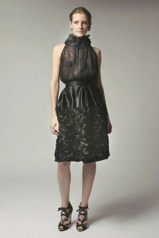 Clothing, Sleeve, Dress, Human leg, Shoulder, Joint, Style, One-piece garment, Formal wear, Pattern,