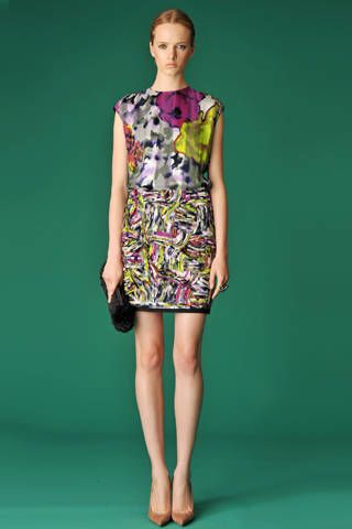 Clothing, Green, Dress, Sleeve, Human leg, Human body, Shoulder, Standing, Joint, One-piece garment,