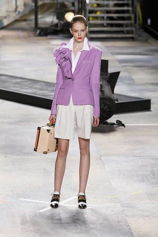 Clothing, Outerwear, Bag, White, Style, Collar, Coat, Street fashion, Stairs, Purple,