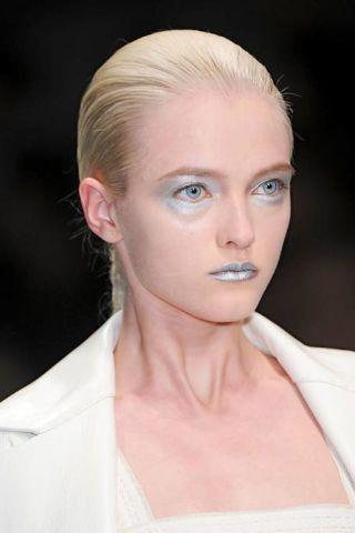 Hair, Ear, Nose, Lip, Cheek, Hairstyle, Skin, Eye, Chin, Forehead,