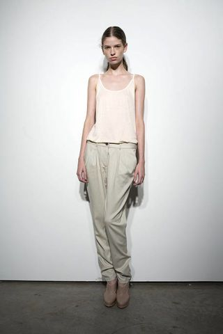 Brown, Human body, Shoulder, Textile, Joint, Standing, Style, Waist, Khaki, Beige,