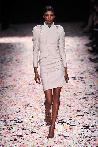 Clothing, Leg, Human body, Sleeve, Fashion show, Shoulder, Textile, Human leg, Joint, Outerwear,