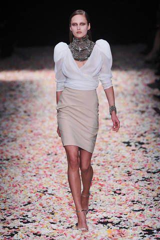 Clothing, Dress, Human body, Sleeve, Shoulder, Human leg, Joint, Style, Fashion model, Fashion show,