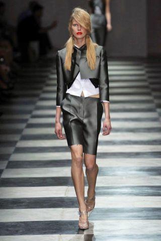 Clothing, Fashion show, Human body, Shoulder, Human leg, Joint, Runway, Outerwear, Fashion model, Style,