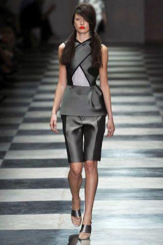 Clothing, Human body, Fashion show, Shoulder, Human leg, Joint, Runway, Fashion model, Style, Formal wear,