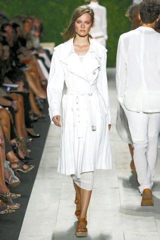 Clothing, Footwear, Sleeve, Joint, Outerwear, Fashion show, Style, Fashion model, Street fashion, Runway,