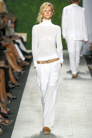Footwear, Leg, Sleeve, Joint, Outerwear, White, Standing, Fashion show, Formal wear, Style,
