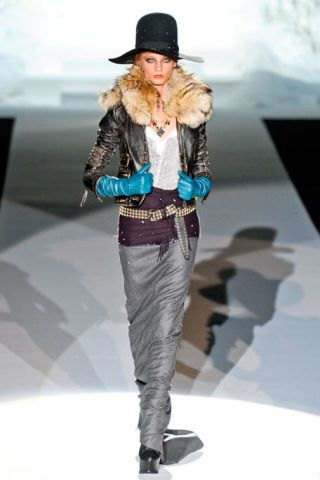 DSQUARED2 FALL RTW 2011 PODIUM 002