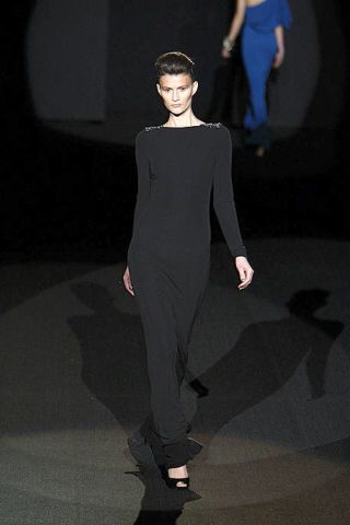 Sleeve, Human body, Shoulder, Joint, Standing, Style, Formal wear, Waist, Dress, Fashion model,