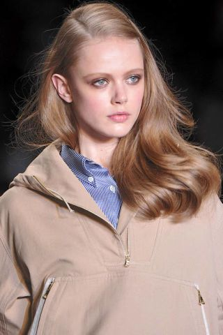 Clothing, Lip, Hairstyle, Collar, Sleeve, Eyebrow, Jacket, Outerwear, Style, Street fashion,