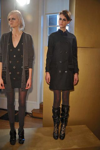 Clothing, Footwear, Leg, Sleeve, Joint, Outerwear, Style, Collar, Knee, Thigh,