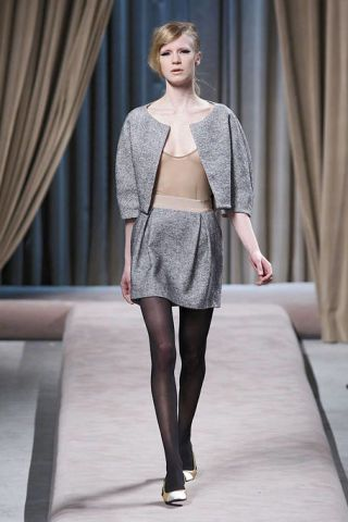 Clothing, Leg, Human body, Shoulder, Human leg, Textile, Fashion show, Joint, Outerwear, Style,