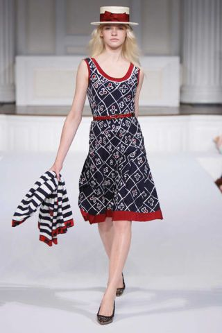 Clothing, Leg, Dress, Sleeve, Shoulder, Human leg, Shoe, Red, Textile, Pattern,