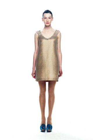 Sleeve, Dress, Human leg, Shoulder, Joint, Standing, White, One-piece garment, Style, Waist,