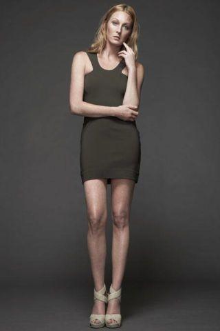 Clothing, Leg, Human leg, Human body, Dress, Shoulder, Joint, Standing, Style, Knee,