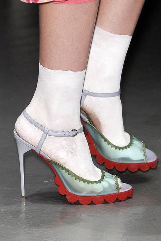 Footwear, Human leg, Red, Joint, White, Style, Carmine, Foot, Fashion, High heels,