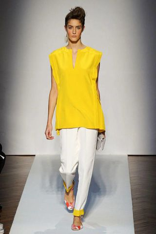 Yellow, Sleeve, Shoulder, Joint, Style, Fashion show, Fashion model, Fashion, Knee, Neck,
