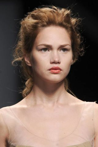 Hair, Nose, Lip, Mouth, Hairstyle, Chin, Forehead, Shoulder, Eyebrow, Eyelash,