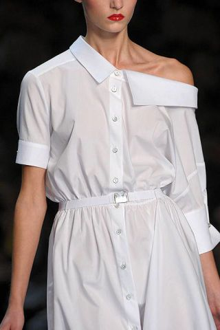 Clothing, Sleeve, Collar, Shoulder, Joint, White, Fashion, Fashion model, Fashion show, Fashion design,