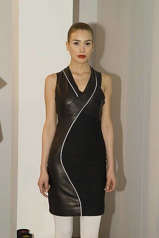 Shoulder, Joint, Standing, Dress, Style, Neck, Black, Thigh, Waist, Tights,