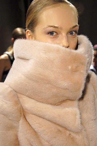 6267 Fall 2008 Ready-to-wear Backstage - 002