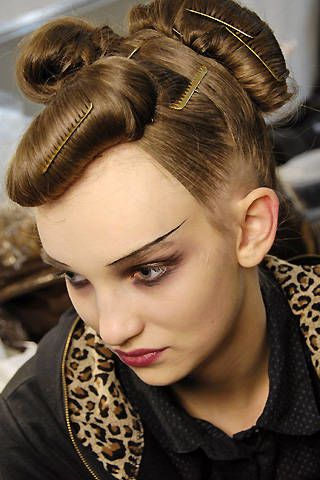 Christian Lacroix Fall 2008 Ready-to-wear Backstage - 002