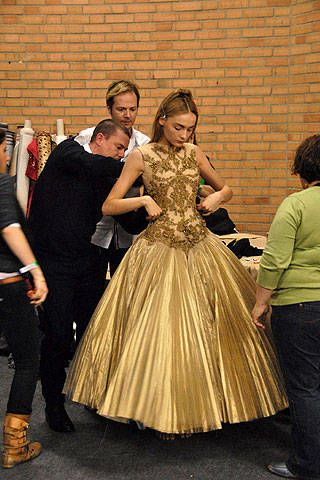 Alexander McQueen Fall 2008 Ready-to-wear Backstage - 003