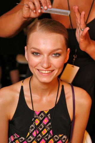 Rubin Singer Spring 2009 Ready-to-wear Backstage - 002