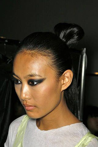 Yigal Azrouël Spring 2009 Ready-to-wear Backstage - 003