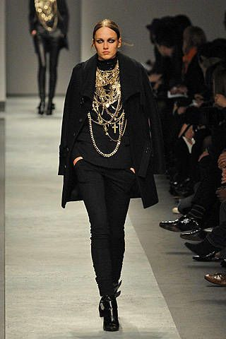 Givenchy Fall 2008 Ready-to-wear Collections - 002