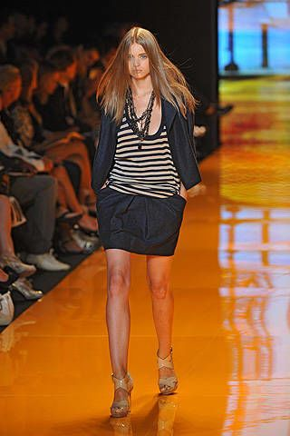 DKNY Spring 2009 Ready-to-wear Collections - 003