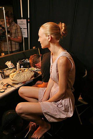 Luca Luca Spring 2009 Ready-to-wear Backstage - 002