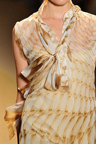 Monique Lhuillier Spring 2009 Ready-to-wear Detail - 003