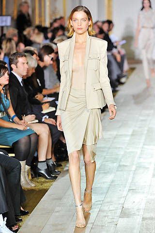 Julien Macdonald Spring 2009 Ready-to-wear Collections - 003