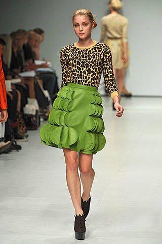 Clothing, Footwear, Fashion show, Event, Runway, Shoulder, Human leg, Joint, Fashion model, Style,