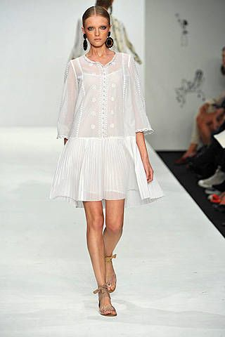 Issa Spring 2009 Ready&#45&#x3B;to&#45&#x3B;wear Collections &#45&#x3B; 002