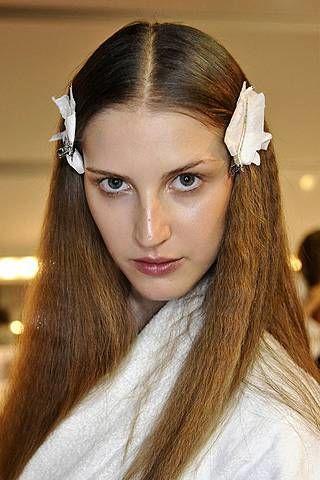 Lip, Brown, Eye, Hairstyle, Skin, Forehead, Eyebrow, Eyelash, Style, Long hair,