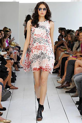Julie Haus Spring 2009 Ready&#45&#x3B;to&#45&#x3B;wear Collections &#45&#x3B; 002