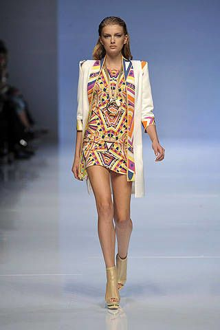 Pucci Spring 2009 Ready&#45&#x3B;to&#45&#x3B;wear Collections &#45&#x3B; 002