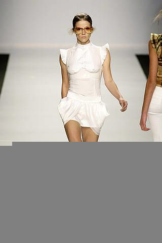 Byblos Spring 2009 Ready-to-wear Collections - 003