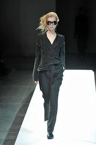 Yohji Yamamoto Spring 2009 Ready-to-wear Collections - 002