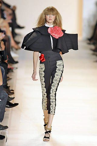 Christian Lacroix Spring 2009 Ready&#45&#x3B;to&#45&#x3B;wear Collections &#45&#x3B; 002
