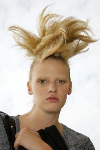 Fendi Spring 2009 Ready&#45&#x3B;to&#45&#x3B;wear Backstage &#45&#x3B; 002