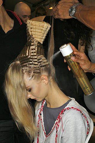 Christian Dior Spring 2009 Ready&#45&#x3B;to&#45&#x3B;wear Backstage &#45&#x3B; 003