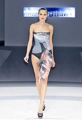 Hussein Chalayan Spring 2009 Ready-to-wear Collections - 003