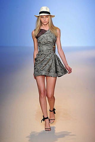 Emanuel Ungaro Spring 2009 Ready-to-wear Collections - 002