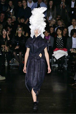Comme des Garçons Spring 2009 Ready-to-wear Collections - 002
