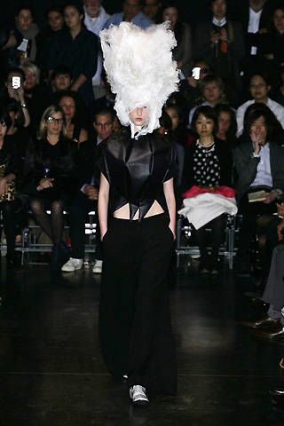 Comme des Garçons Spring 2009 Ready-to-wear Collections - 003