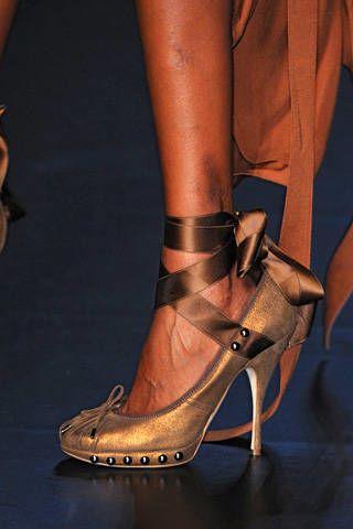 Jean Paul Gaultier Spring 2009 Ready-to-wear Detail - 002